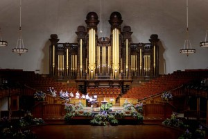 Chapter members playing the Salt Lake Tabernacle organ