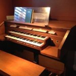 Rodger 640 organ