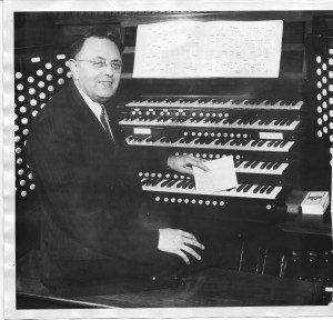 Frank-Asper-Tabernacle-Organist-1924-300x288